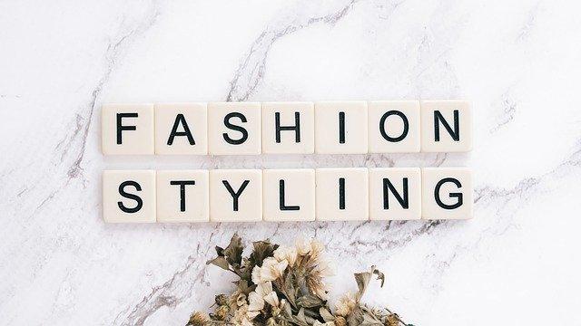 Scrabble-Buchstaben: Fashion styling